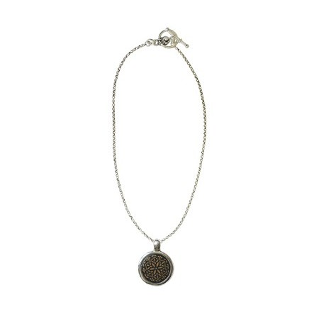 Necklaces -Collier médaillon rond corne rosace